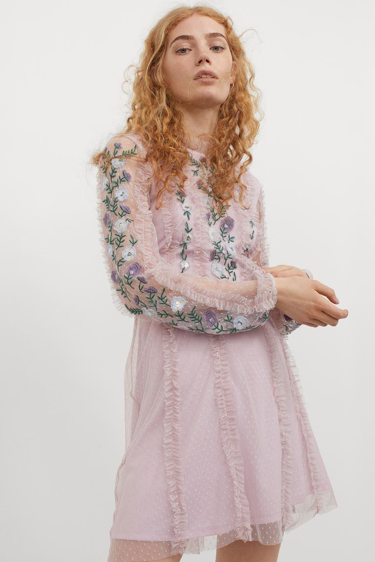 """<br><br><strong>H&M</strong> Embroidered Mesh Dress, $, available at <a href=""""https://go.skimresources.com/?id=30283X879131&url=https%3A%2F%2Fwww2.hm.com%2Fen_us%2Fproductpage.0968722001.html"""" rel=""""nofollow noopener"""" target=""""_blank"""" data-ylk=""""slk:H&M"""" class=""""link rapid-noclick-resp"""">H&M</a>"""
