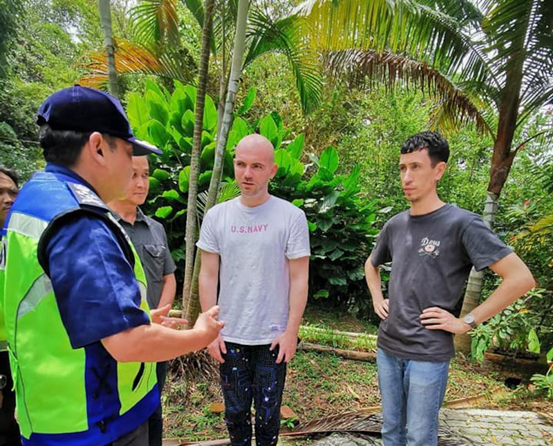 Deputy Inspector-General of Police Datuk Mazlan Mansor speaks to some of Nora Anne's relatives at The Dusun resort area August 11, 2019. — Picture courtesy of Royal Malaysian Police
