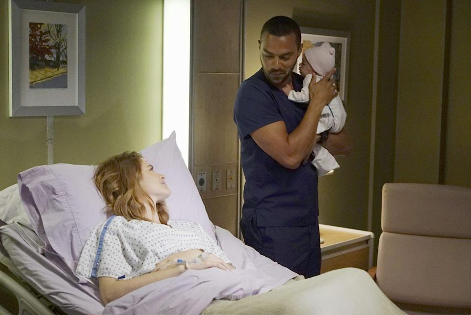 """<p>Drew <a href=""""http://celebritybabies.people.com/2014/07/29/greys-anatomy-sarah-drew-pregnant-expecting-second-child/"""" rel=""""nofollow noopener"""" target=""""_blank"""" data-ylk=""""slk:announced"""" class=""""link rapid-noclick-resp"""">announced</a> that she was expecting just after her character's pregnancy was revealed. </p>"""