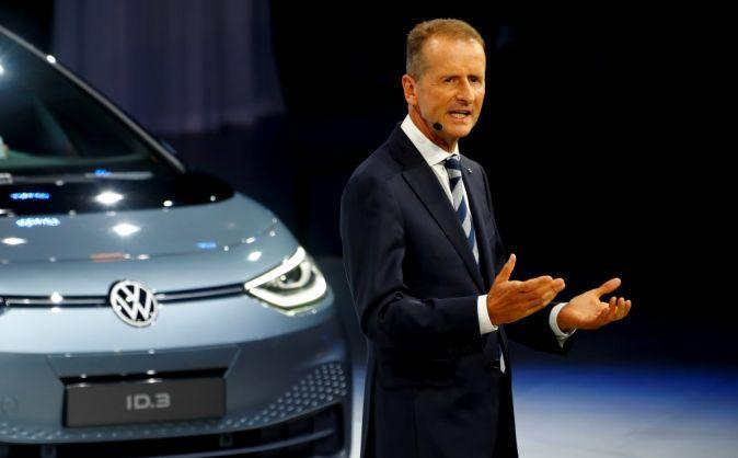 Herbert Diess, CEO of German carmaker Volkswagen AG, gestures in front of an ID.3 pre-production prototype during the presentation of Volkswagen's new electric car on the eve of the International Frankfurt Motor Show IAA in Frankfurt, Germany September 9, 2019. REUTERS/Ralph Orlowski