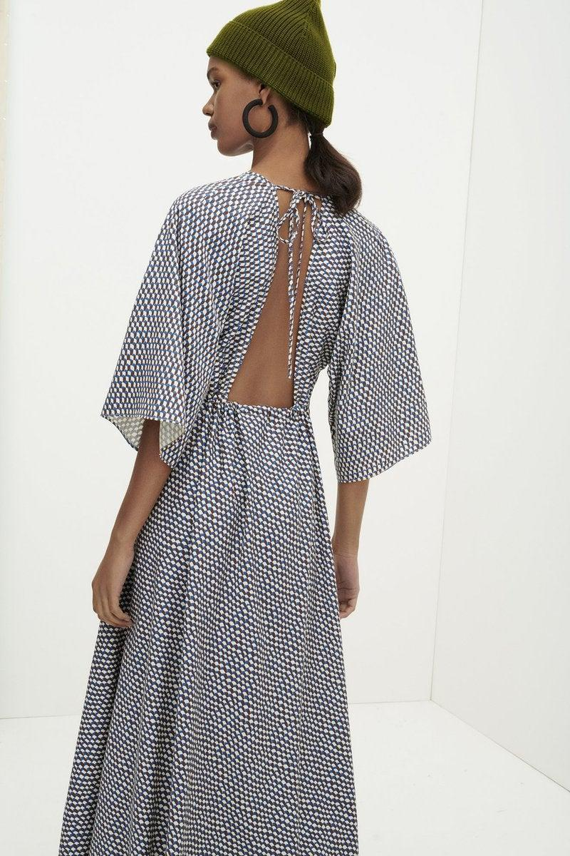 """<br><br><strong>Kowtow</strong> BESSIE DRESS, $, available at <a href=""""https://go.skimresources.com/?id=30283X879131&url=https%3A%2F%2Fus.kowtowclothing.com%2Fproducts%2Fbessie-dress-infinity-print%3Fvariant%3D32792724701287"""" rel=""""nofollow noopener"""" target=""""_blank"""" data-ylk=""""slk:Kowtow"""" class=""""link rapid-noclick-resp"""">Kowtow</a>"""