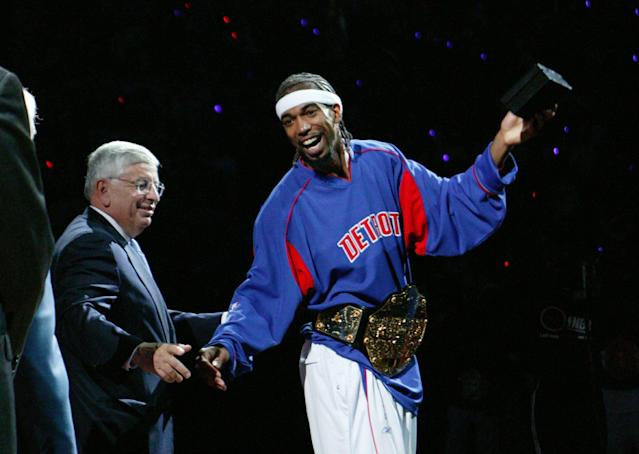 Richard Hamilton models his championship belt with then-NBA commissioner David Stern. (Getty Images)