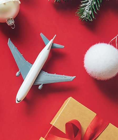 Pro Tips for Traveling With Holiday Gifts, According to Flight Attendants