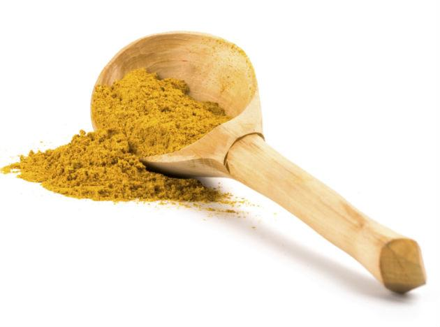 <b>Turmeric</b>: Turmeric contains curcumin, a constituent that protects the heart. It helps reduce the levels of bad cholesterol (LDL), bring down high blood pressure, prevent clotting and reduce the risk of heart attacks. Include a sprinkle of turmeric in your meats and masalas; it will bring you a host of good health.