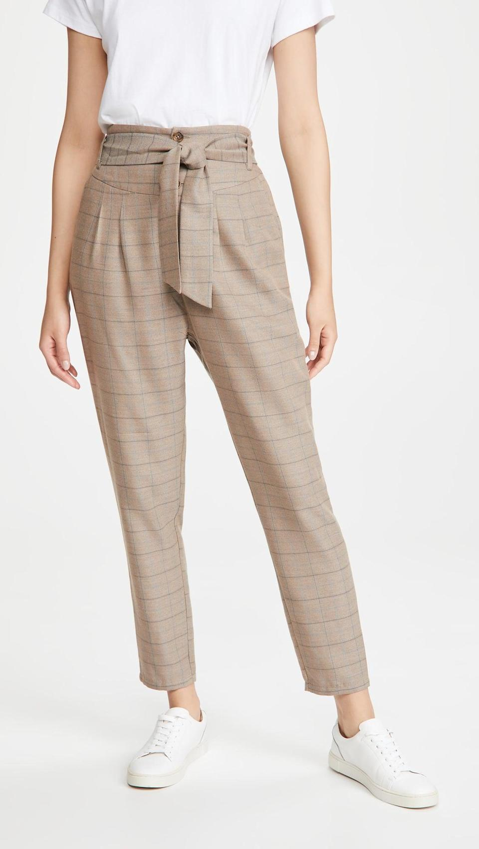 <p>The tie on these <span>BB Dakota Line of Best Fit Pants</span> ($79) is so cute and makes them flattering.</p>