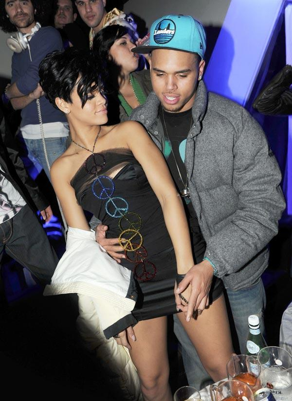 Chris Browns Lovers Team Up Tell Rihanna To Take Him Back