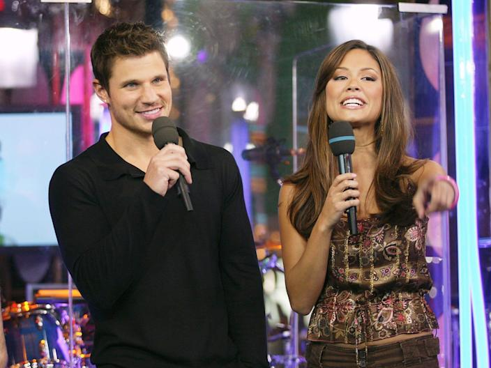 nick and vanessa lachey on total request live