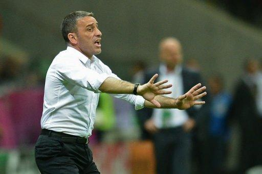 Portuguese head coach Paulo Bento reacts during the match