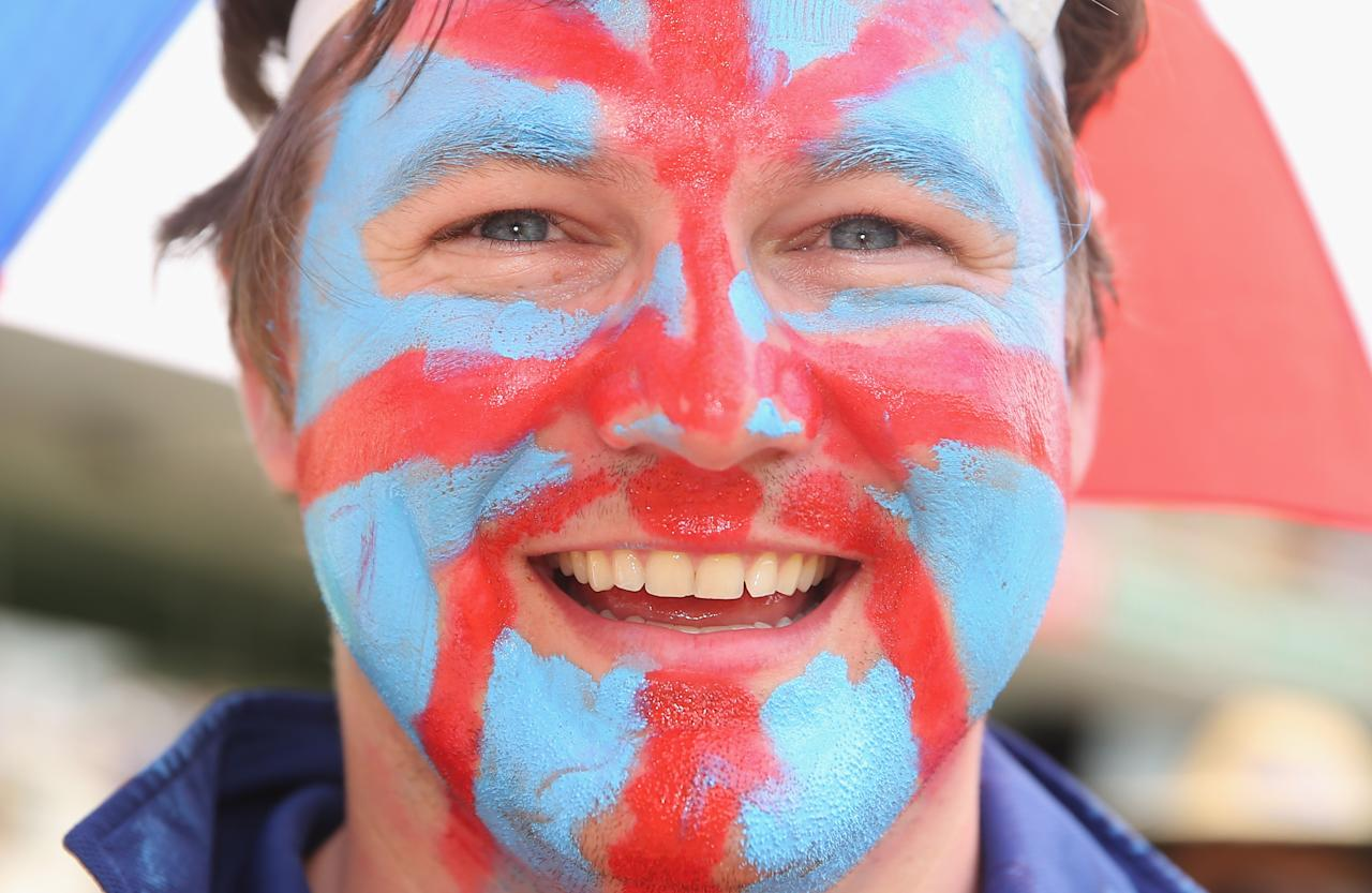 BRISBANE, AUSTRALIA - NOVEMBER 23:  An English supporter shows his supoort during day three of the First Ashes Test match between Australia and England at The Gabba on November 23, 2013 in Brisbane, Australia.  (Photo by Scott Barbour/Getty Images)