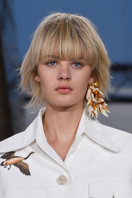 """<p>Styling Tip: If two statement earrings are too much for you, then just wear one! The single-earring look is super cool and very """"in"""" right now. </p><p>Photo: ImaxTree</p>"""
