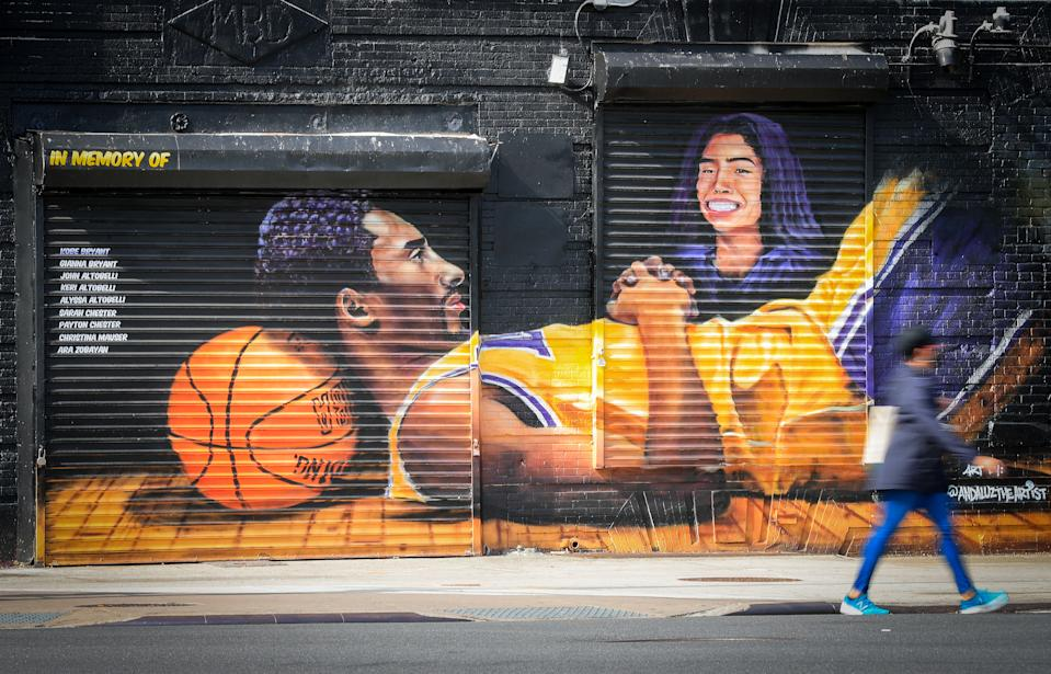 A mural dedicated to Kobe Bryant, Gianna Bryant and the other lives lost in a helicopter crash in January is seen near the Barclays Center on May 17, 2020 in the Brooklyn borough of New York City. (Mike Lawrie/Getty Images)