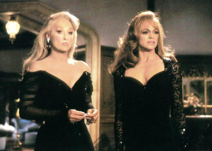 Meryl Streep and Goldie Hawn in 'Death Becomes Her' (Photo: Everett)