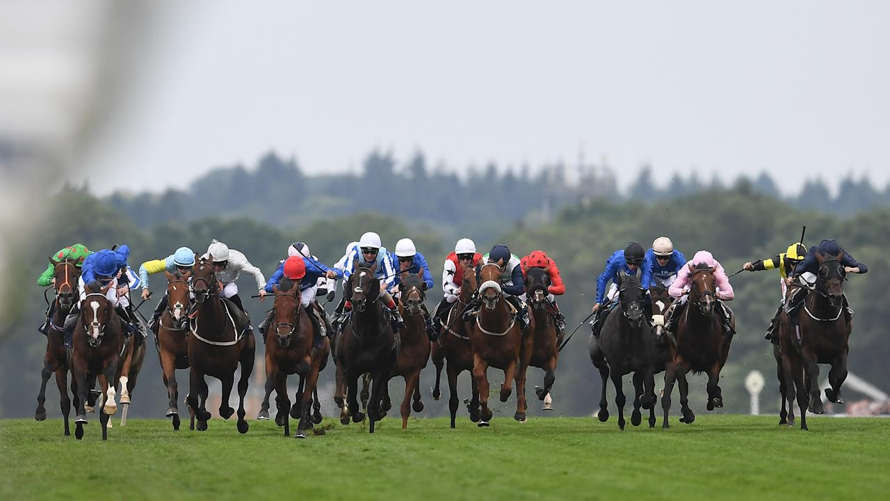 ASCOT, ENGLAND - JUNE 22:  Runners and riders charge down the final straight in the King George V Stakes on Day Three of Royal Ascot at Ascot Racecourse on June 22, 2017 in Ascot, England.  (Photo by Mike Hewitt/Getty Images)