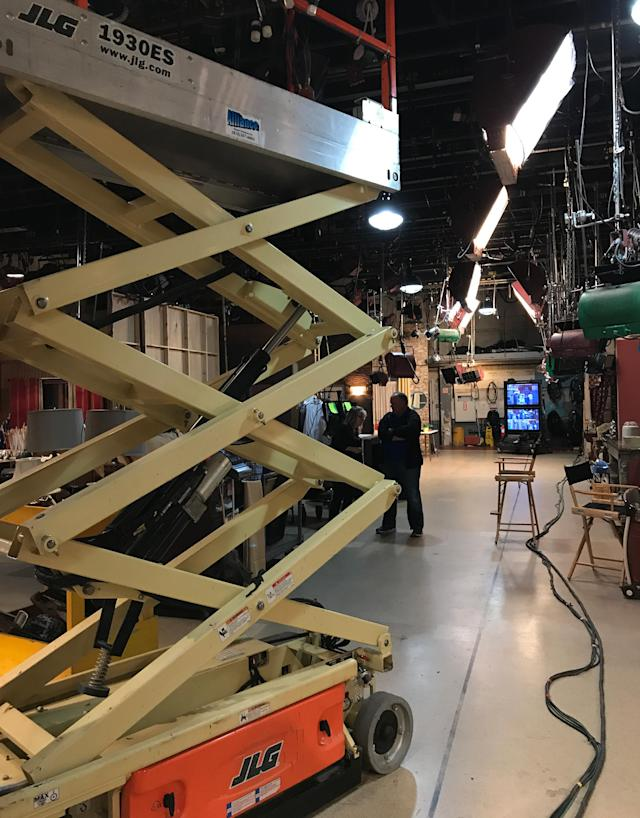 "<p>Walking onto set…Sami's back! — <a href=""https://www.instagram.com/alisweeney/"" rel=""nofollow noopener"" target=""_blank"" data-ylk=""slk:@alisweeney"" class=""link rapid-noclick-resp"">@alisweeney</a><br><br>(Photo: Instagram) </p>"
