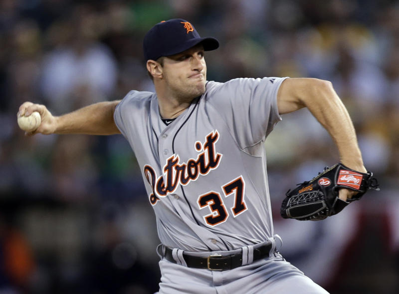 Scherzer dazzles as Tigers take Game 1 from A's
