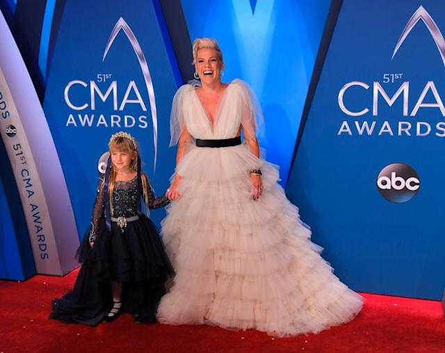 Pink and Willow rocked the CMA Awards red carpet.