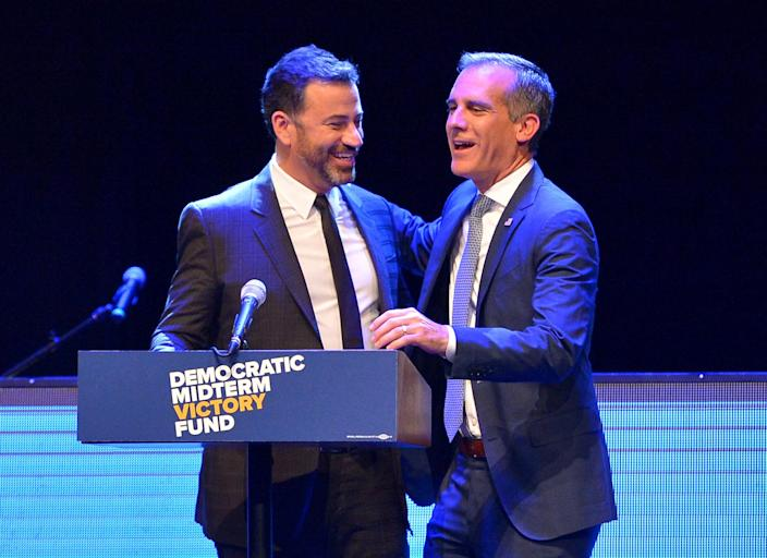 """<span class=""""s1"""">Jimmy Kimmel and Los Angeles Mayor Eric Garcetti at a Sept. 25 fundraiser in Los Angeles. (Photo: Charley Gallay/Getty Images for Democratic Midterm Victory Fund)</span>"""