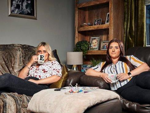 Ellie Warner and her sister Izzi on 'Gogglebox': Channel 4
