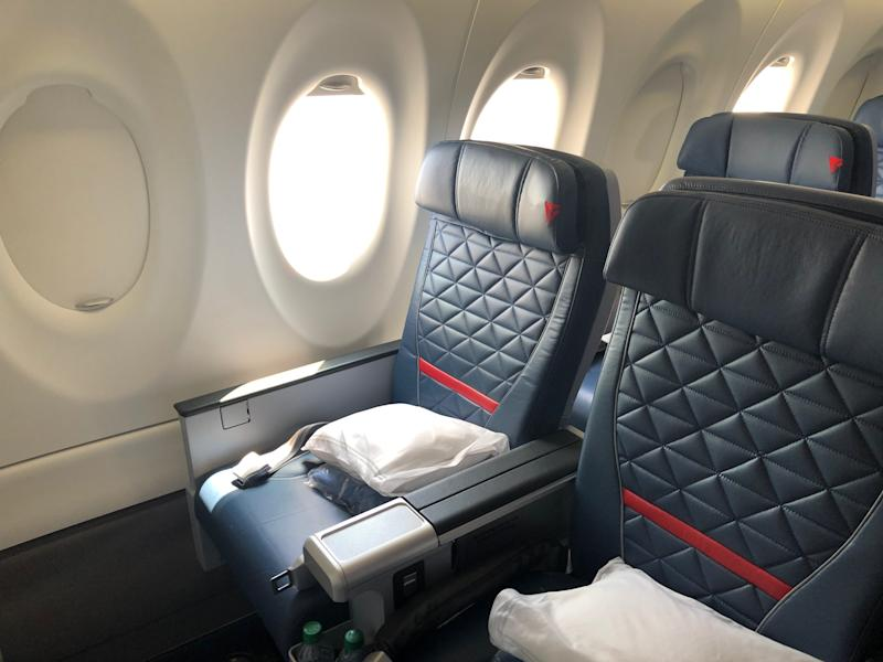 Delta Airbus A220 First Class DS