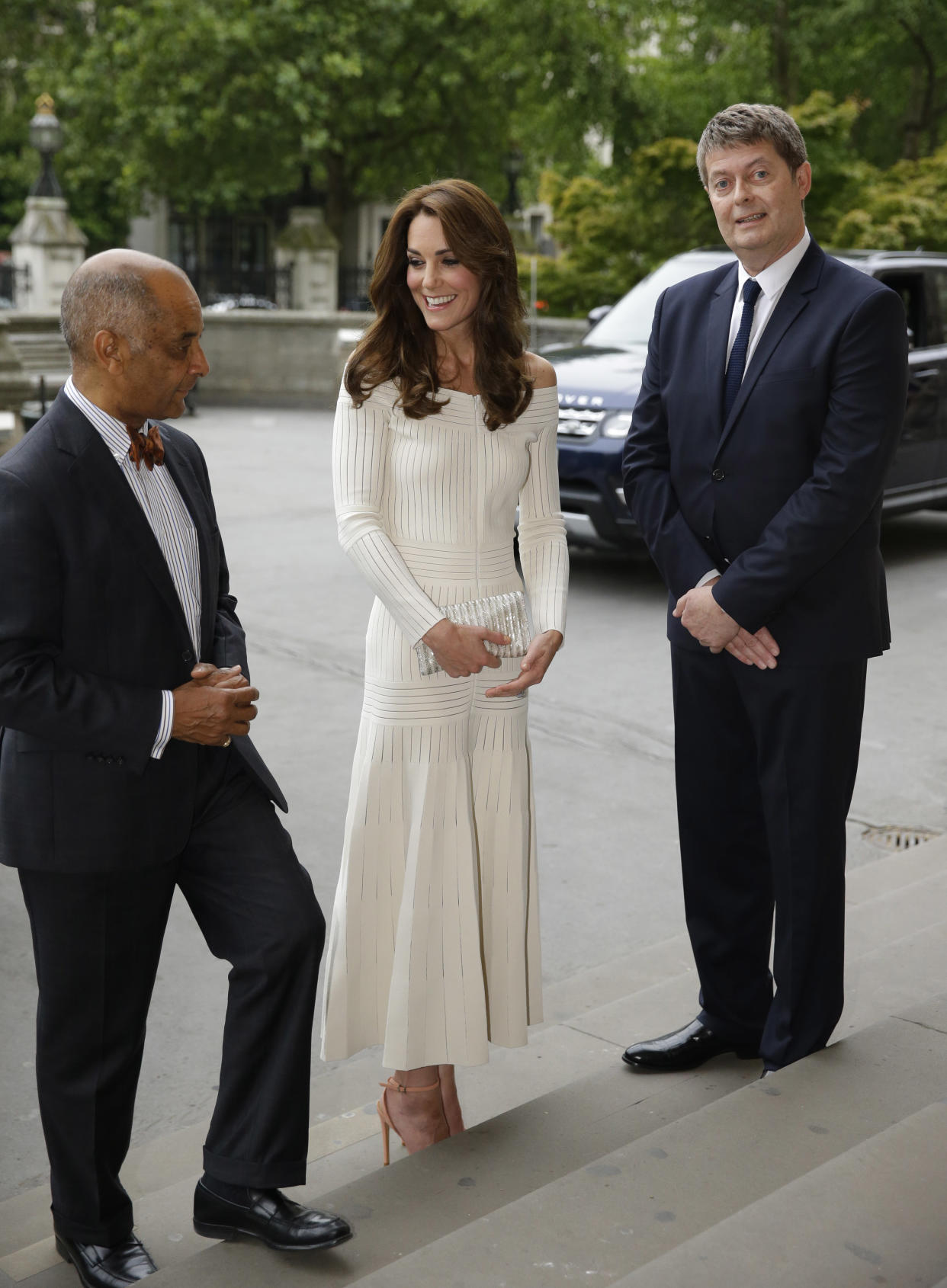 LONDON, ENGLAND - JULY 07: Catherine, Duchess of Cambridge is greeted by Lord-Lieutenant Ken Olisa (L) and Sir Michael Dixon, Director of the Natural History Museum as she arrives to present the Art Fund Museum of the Year 2016 prize at a dinner hosted at the Natural History Museum on July 6, 2016 in London, United Kingdom. The Art Fund Museum of the Year prize is awarded annually to one outstanding museum which has shown exceptional imagination, innovation and achievement in the preceding year. (Photo by Matt Dunham - Pool/Getty Images)