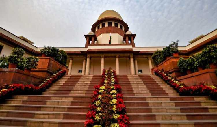 Chit fund case: SC asks CBI to place evidence for custodial interrogation of Kolkata's ex-CP