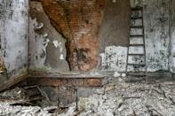 <p>His work depicts buildings that have been empty for decades. (Photo: Freaktography/Caters News) </p>