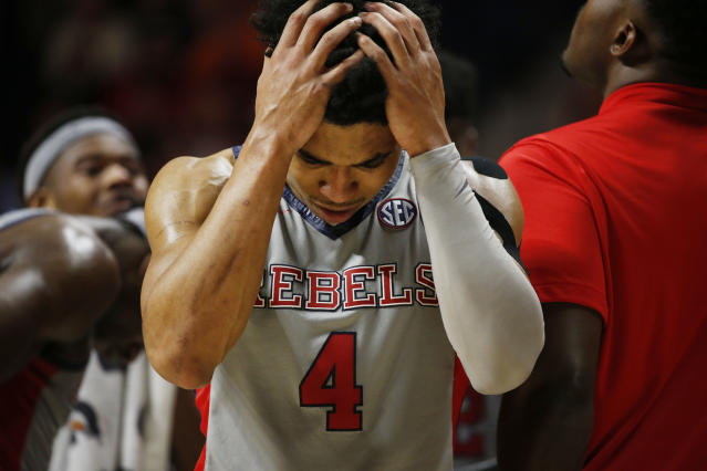 Ole Miss fell to No. 7 Tennessee, 73-71, after foul call did not go the Rebels' way. (AP Photo/Rogelio V. Solis)