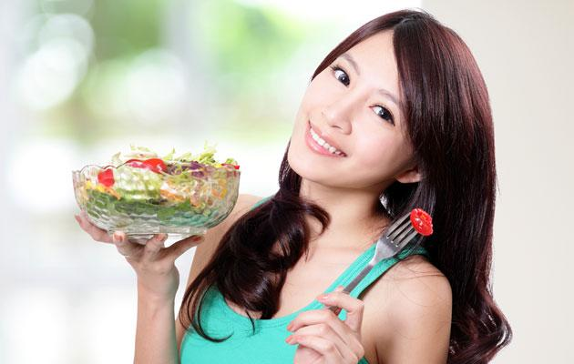 Eating a balanced diet and getting sufficient exercise are crucial to maintaining a healthy digestive system. (Thinkstock photo)