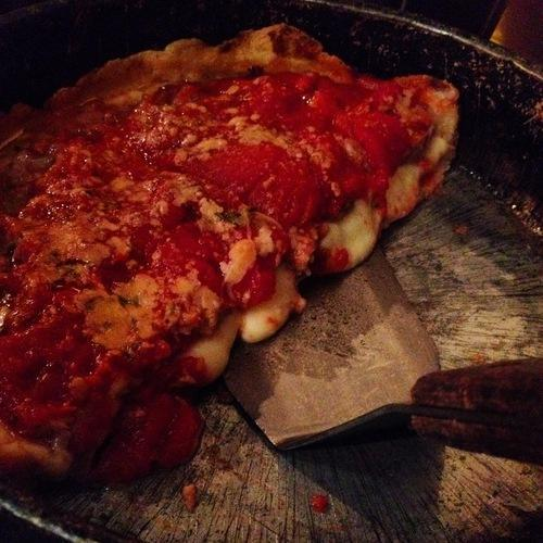 chicago-deep-dish-pizza