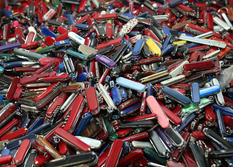 TSA drops plan to allow small knives on planes