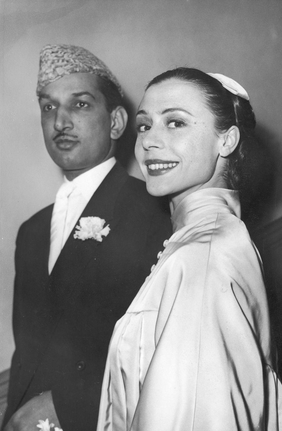 <p>British ballerina Svetlana Beriosvoa and Mohammed Masud Raza Khan accidentally alerted the press to their impending nuptials when they applied for their marriage license. The couple married at the registry office in London in 1959. </p>
