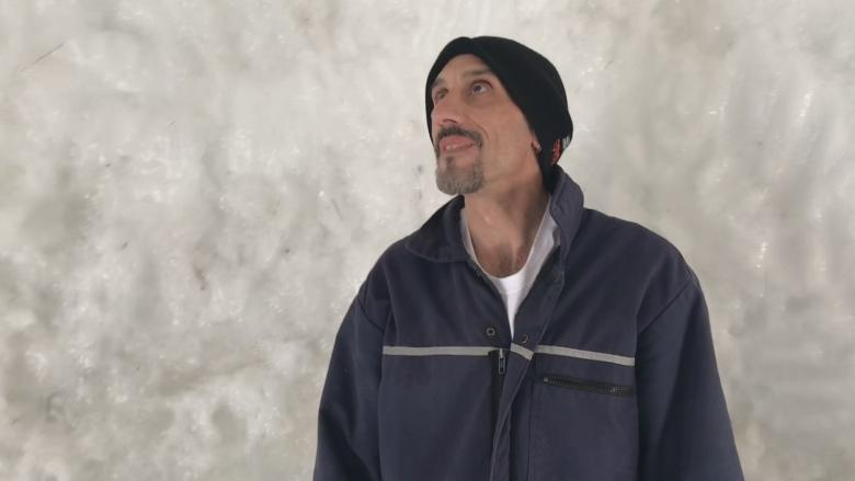 New Ross man builds giant igloo using snow, water — and kitty litter boxes