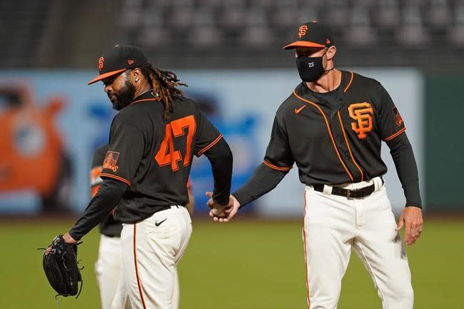 Giants just miss playoffs, losing on season's final day