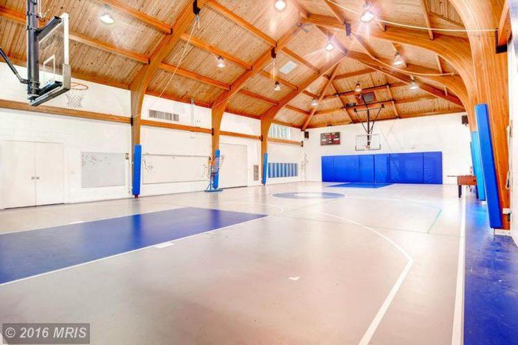The Ripken estate has an amazing basketball court. (Zillow)