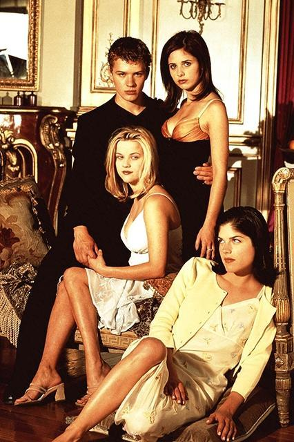 """<em><strong><h3>Cruel Intentions</h3></strong></em><h3> (1999)<br></h3> Ah... young, rich, pretty people galavanting through hedonism and the recklessness of youth.<br><br><span class=""""copyright"""">Photo: Courtesy of Columbia Pictures.</span>"""