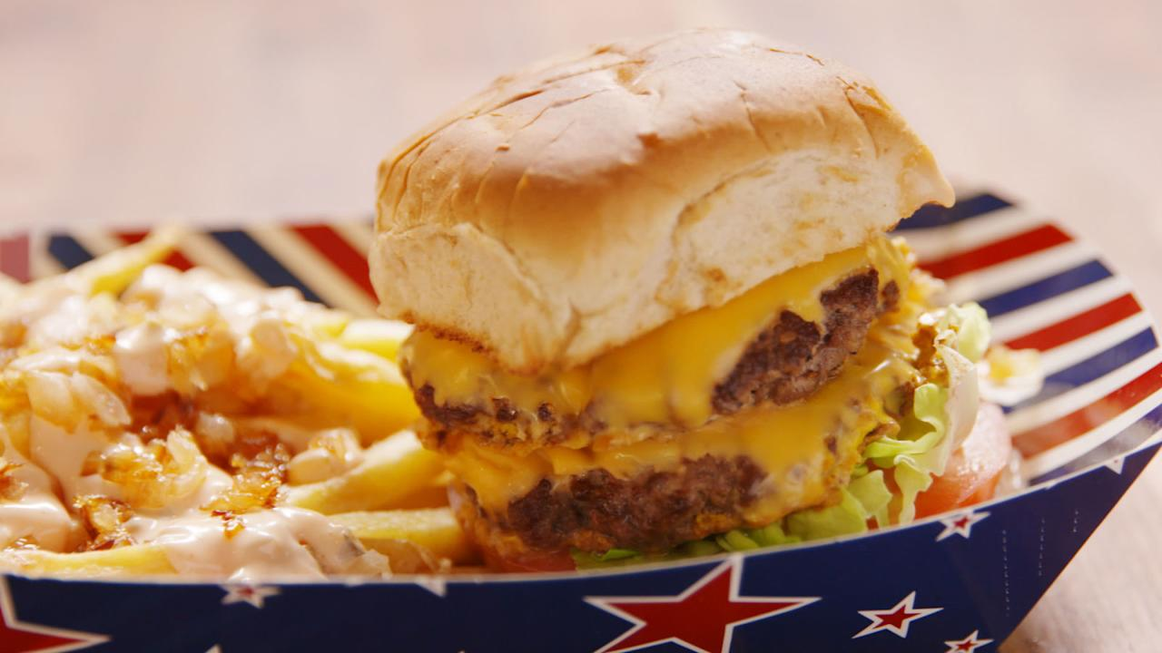 "<p>With help from our friends over at <a rel=""nofollow"" href=""https://foursquare.com/"">FourSquare</a>, we rounded up the top-rated burger shop in each state. Did your favorite make the cut?<span></span></p>"