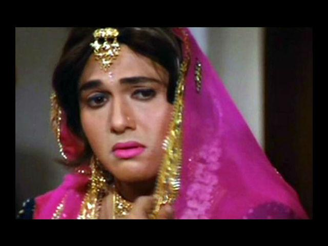 <b>7. Govinda</b><br> We are talking cross-dressing and haven't mentioned Govinda yet? For shame! This madcap pulls off the role of a woman in his 1994 flick 'Raja Babu'. Paired with Karishma Kapoor with Shakti Kapoor as a sidekick, this movie was a runaway hit. As was another movie with his drag performance – 'Aunty No. 1'.
