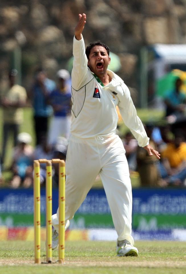 GALLE, SRI LANKA - JUNE 24:  Saeed Ajmal of Pakistan successfully apeals for a lbw of Sri Lanka's batsman Tharanga Paranavitana during day three of the first test between Sri Lanka and Pakistan at Galle International Stadium on June 24, 2012 in Galle, Sri Lanka.  (Photo by Buddhika Weerasinghe/Getty Images)