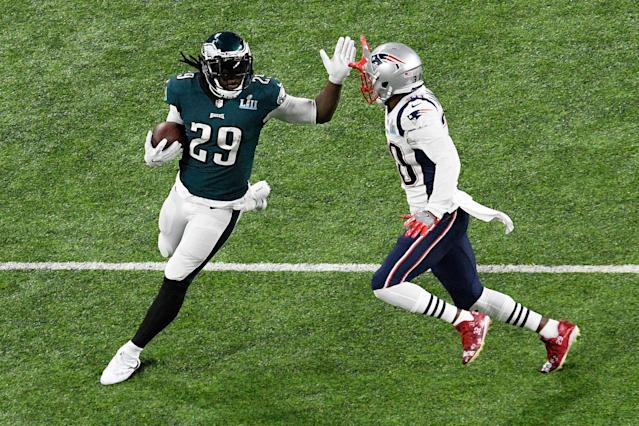 <p>LeGarrette Blount #29 of the Philadelphia Eagles runs with the ball against the New England Patriots during the first quarter in Super Bowl LII at U.S. Bank Stadium on February 4, 2018 in Minneapolis, Minnesota. (Photo by Hannah Foslien/Getty Images) </p>