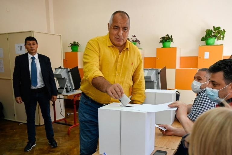 Former Bulgarian Prime Minister Boyko Borisov casts his ballot at a polling station