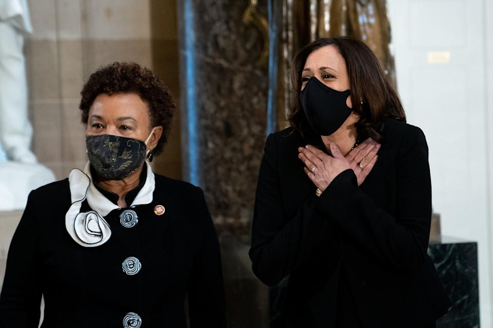 Rep. Barbara Lee (D-Calif., left) attends the memorial service for Supreme Court Justice Ruth Bader Ginsburg. Lee's opposition to endless war has endeared her to the left. (Photo: Pool via Getty Images)