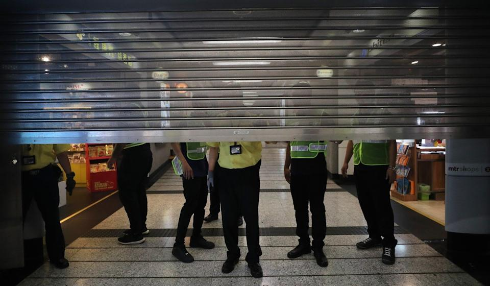 Mong Kok MTR station closes during clashes in October. Fewer voters polled supported damage to public facilities than supported vandalism against private property. Photo: Sam Tsang