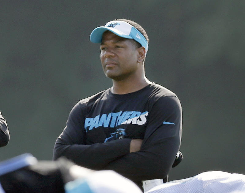 Cardinals hire former Panthers DC Steve Wilks as head coach
