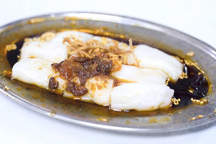 Everyone has a style of 'chee cheong fun' that they love best. — Pictures by CK Lim