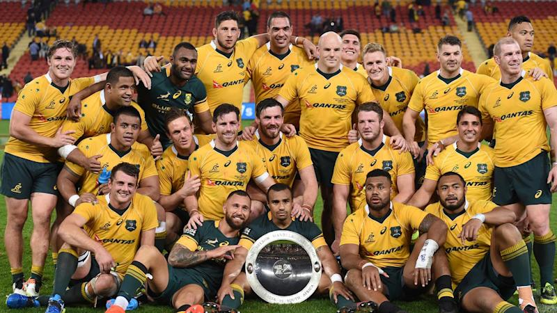 The Wallabies have beaten South Africa 23-17 at Suncorp Stadium to snap a six-Test losing streak.
