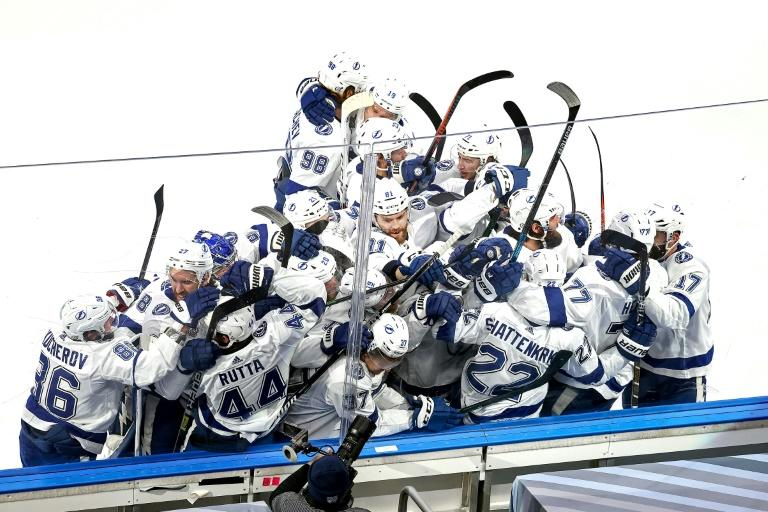 Shattenkirk's goal lifts Lightning to verge of Stanley Cup title