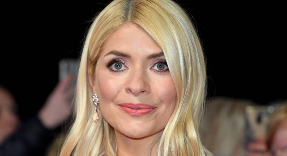 Holly Willoughby's make up artist has revealed the star's affordable beauty look [Photo: Getty]