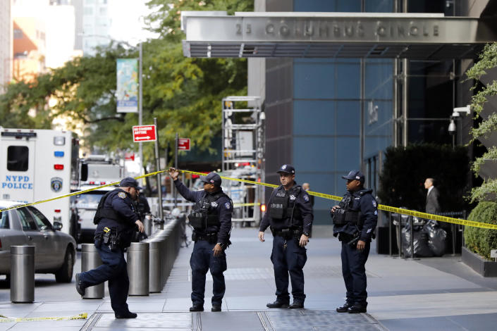 <p>New York City Police Dept. officers arrive outside the Time Warner Center, in New York, Wednesday, Oct. 24, 2018. (Photo: Richard Drew/AP) </p>