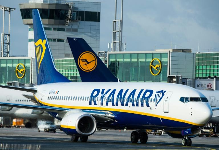 Aer Lingus pushes 'rescue' sale as Ryanair issues flight cancellations update