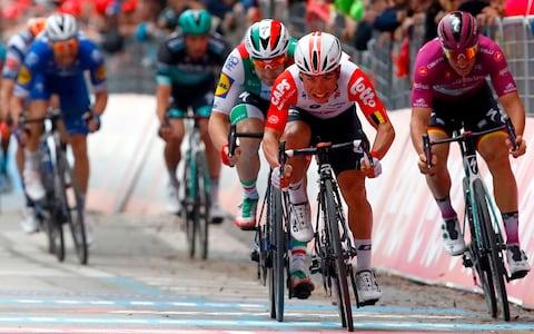 Caleb Ewan wins stage eight -Giro d'Italia 2019, stage eight – race for pink: Clock ticking on Elia Viviani as Italian starts to run out of road - Credit: LUK BENIES/Getty Images